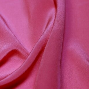Rožinės spalvos lengvas šilkas